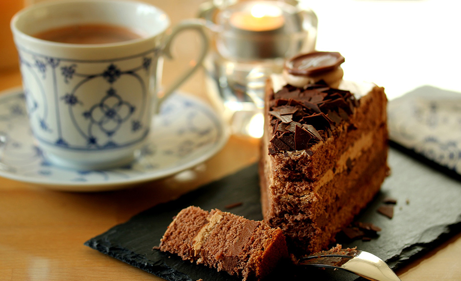 Tea and cake - Free for commercial use No attribution required - Credit Pixabay