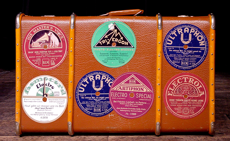 Old Suitcase - Free for commercial use No attribution required - Credit Pixabay